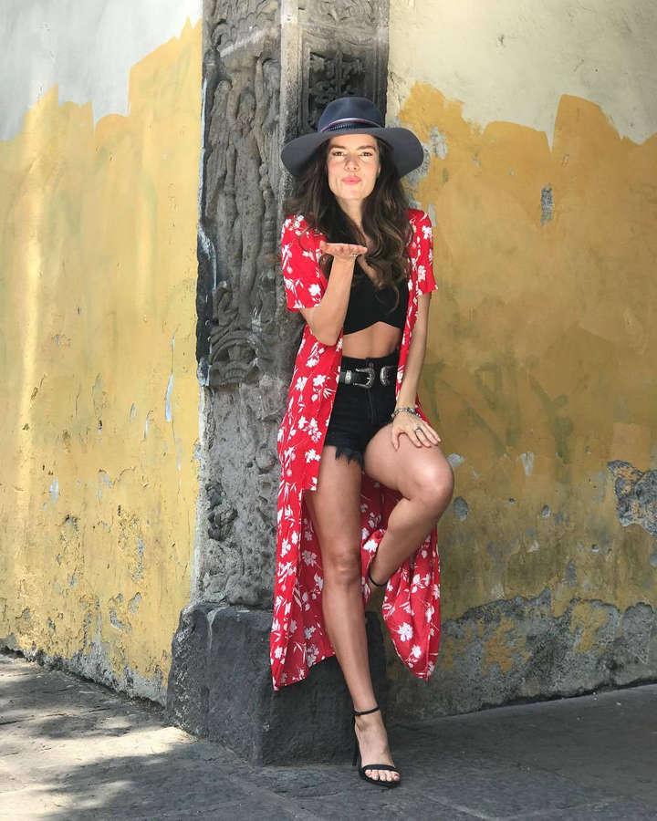 Sofia Blanchet Feet