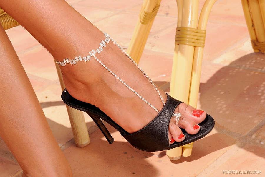 Jasmine Black Feet