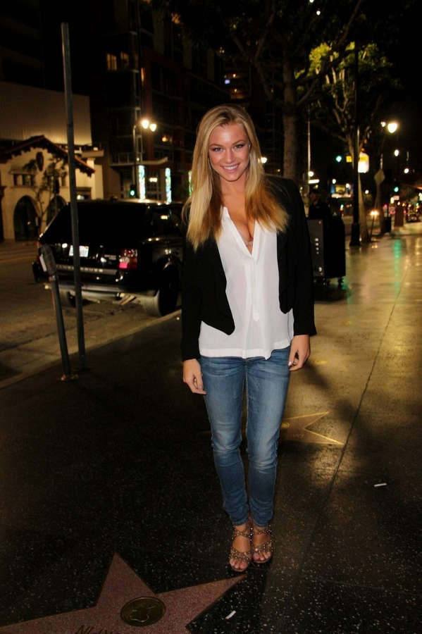 Nikki Leigh Feet