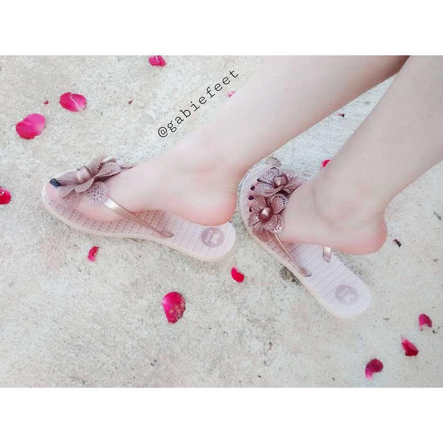 Gabie Feet Feet