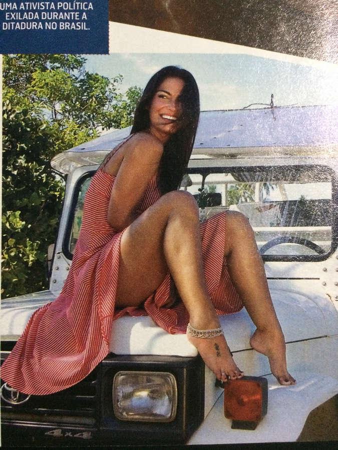 Carla Regina Feet
