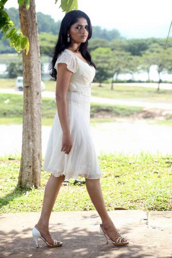 Sunaina Feet