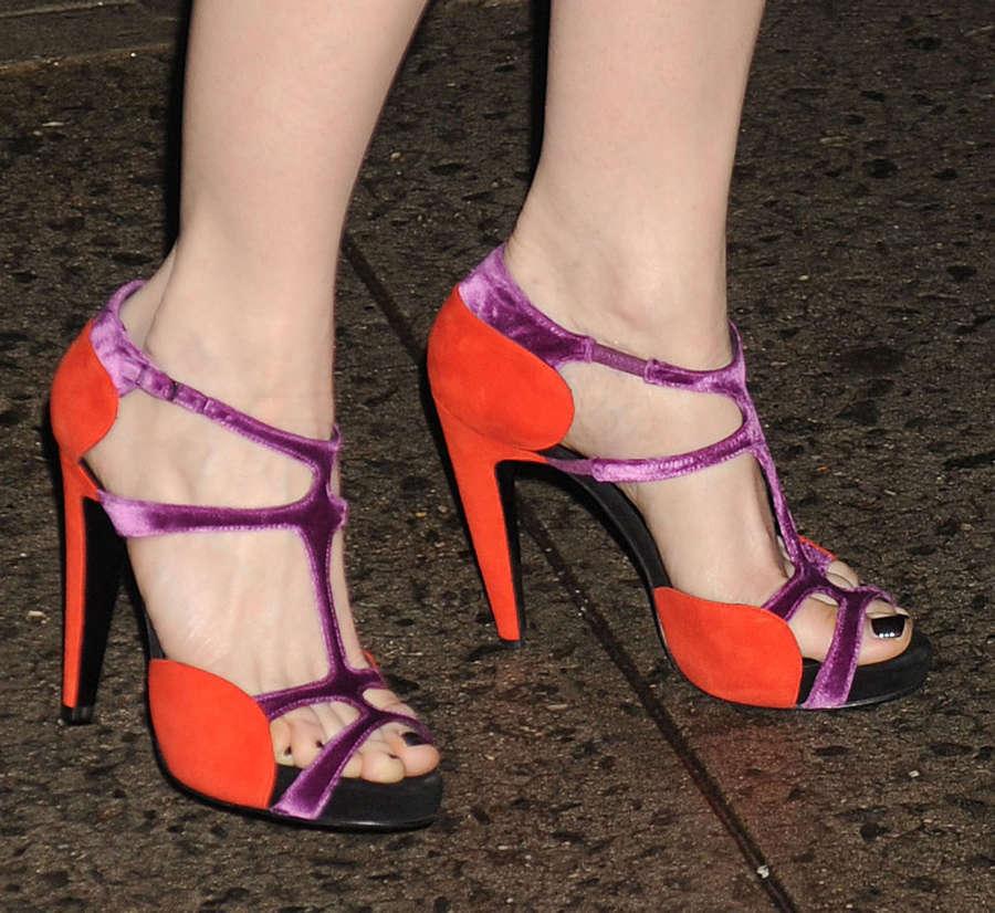 Kristen Wiig Feet