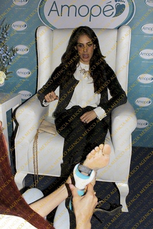 Sandra Echeverria Feet