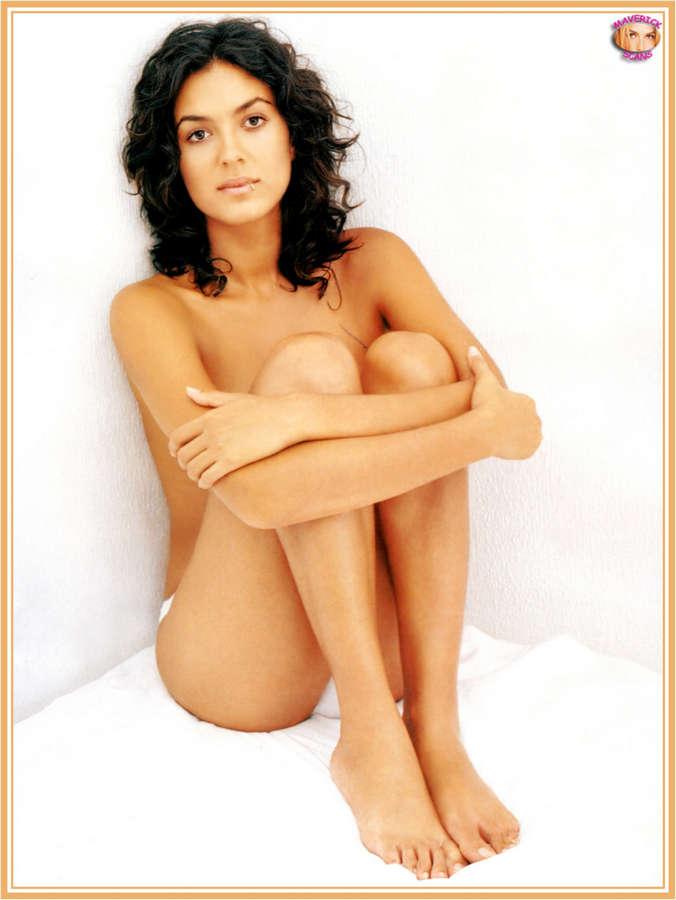 Alba Molina Feet