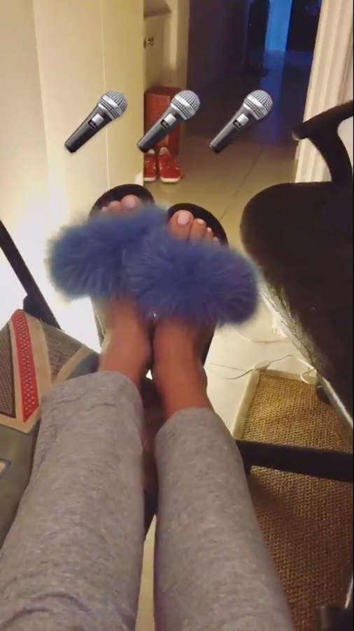 Josephine Feet