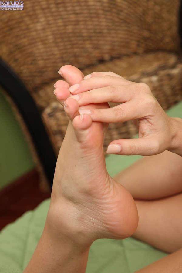 Cassie Laine Feet