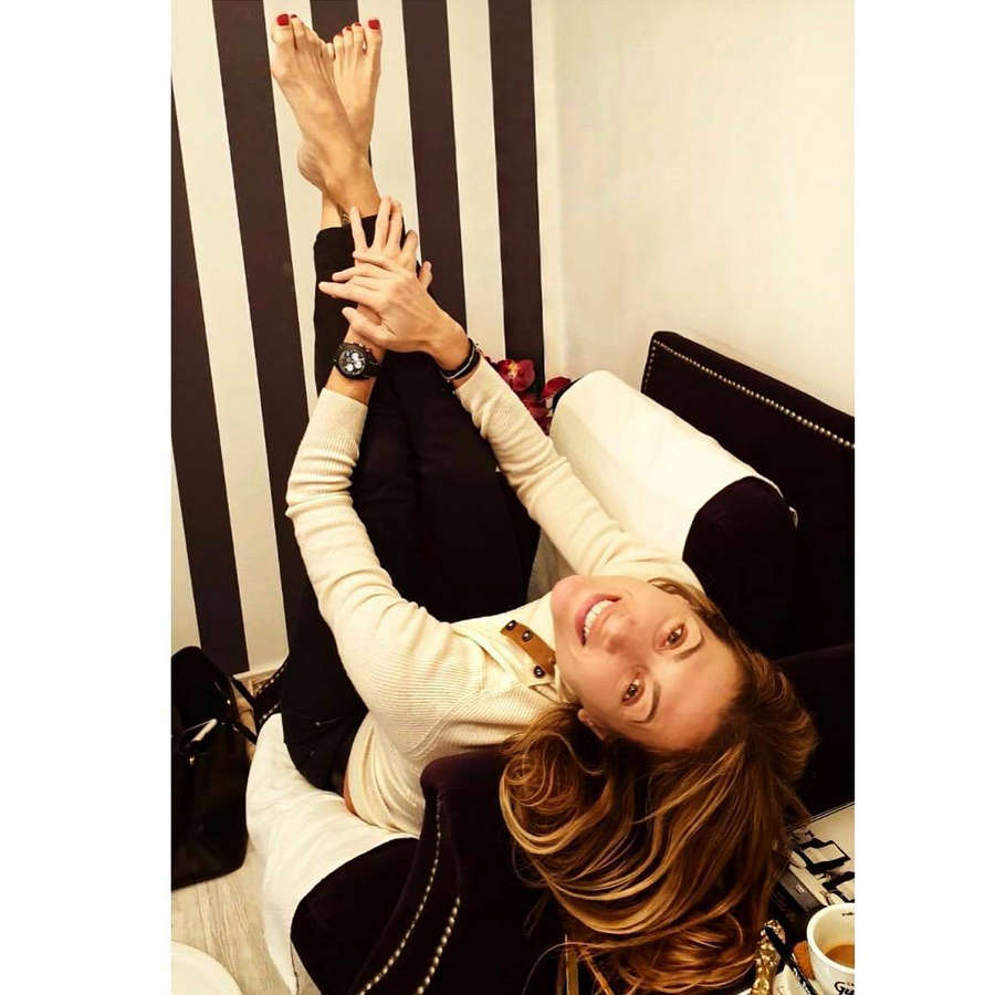 Monica Pont Feet