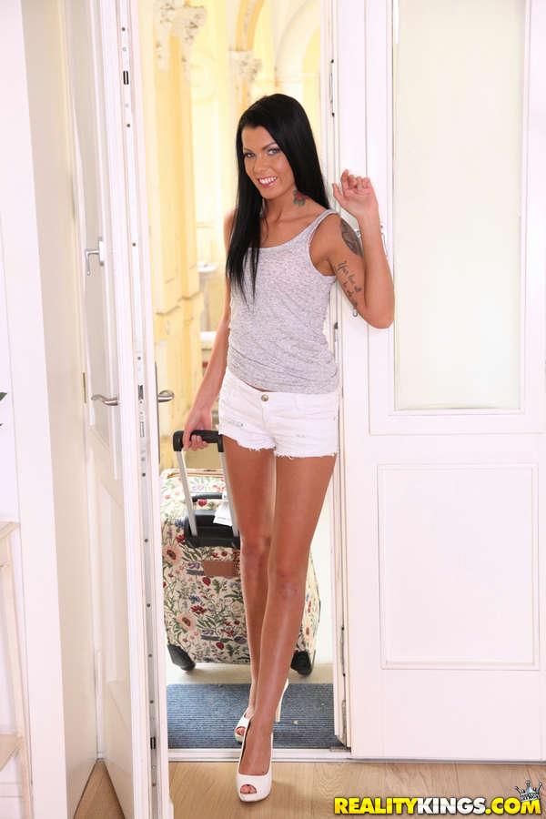 Sofia Like Feet