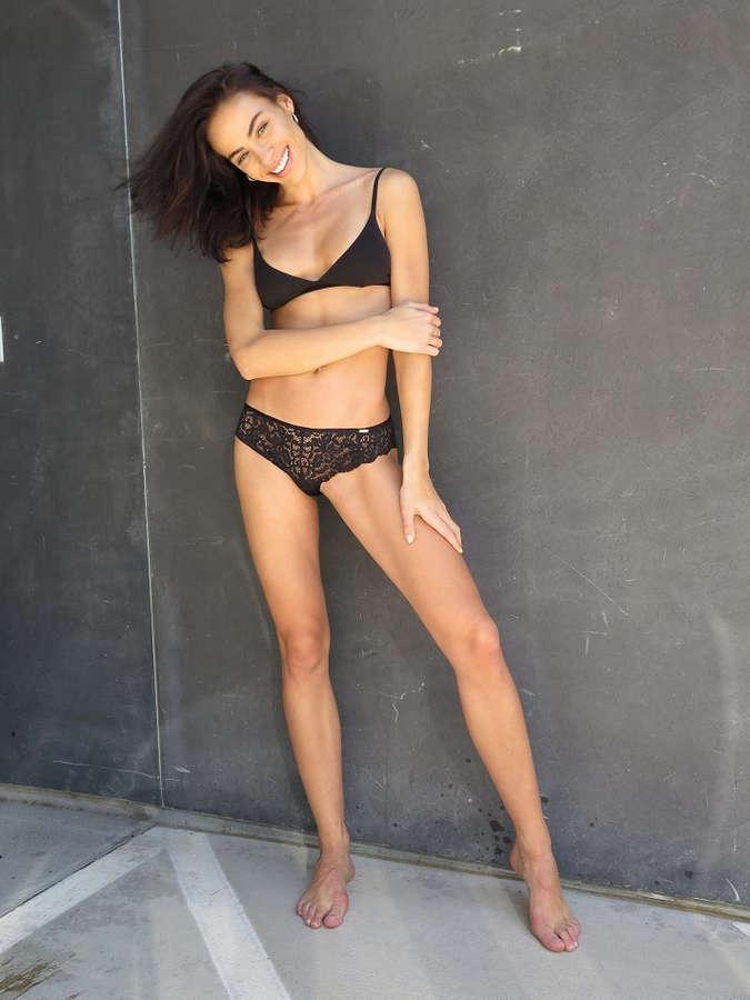 Nicole Meyer Feet
