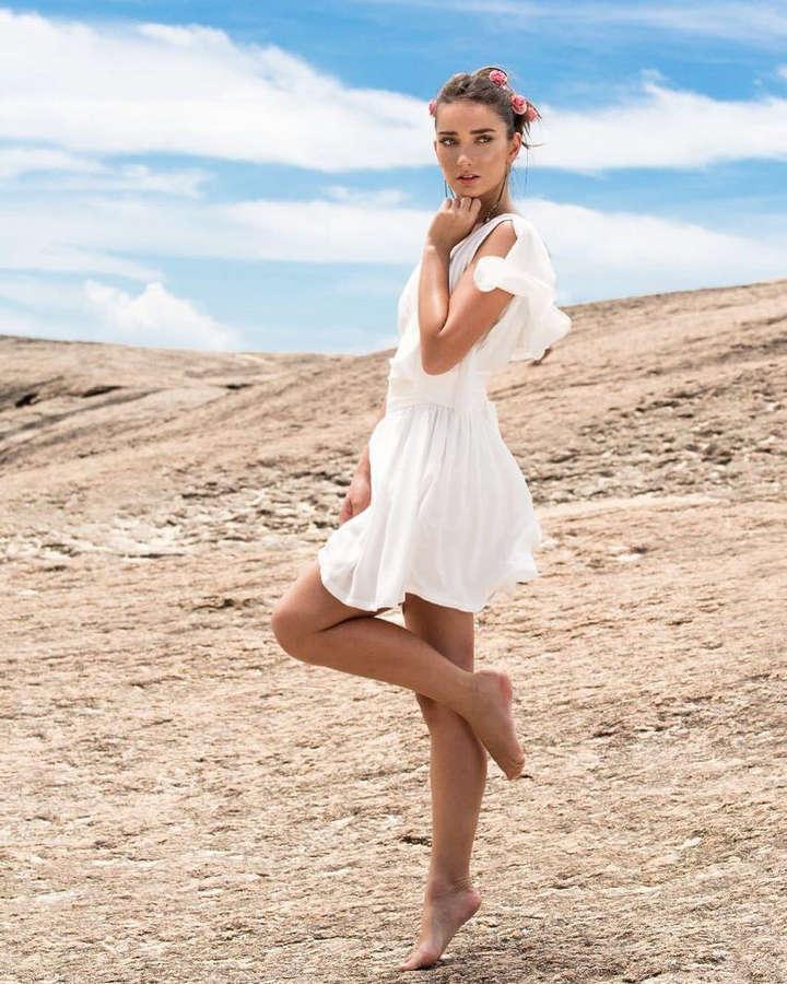 Stephanie Almeida Feet
