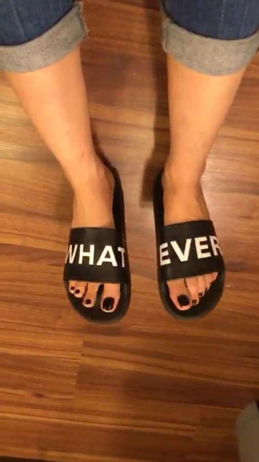 Kriti Sanon Feet