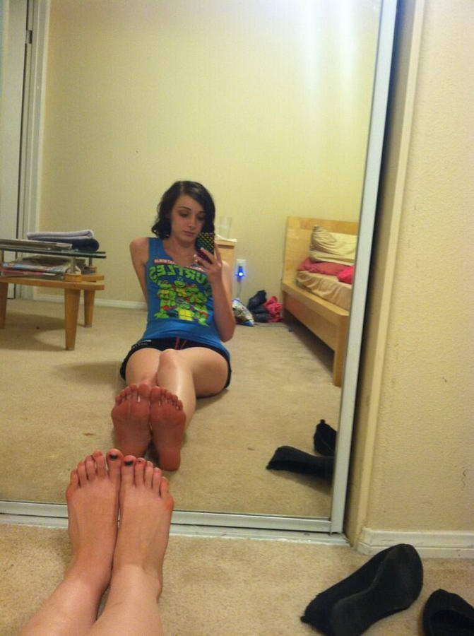 Karina Lynne Feet