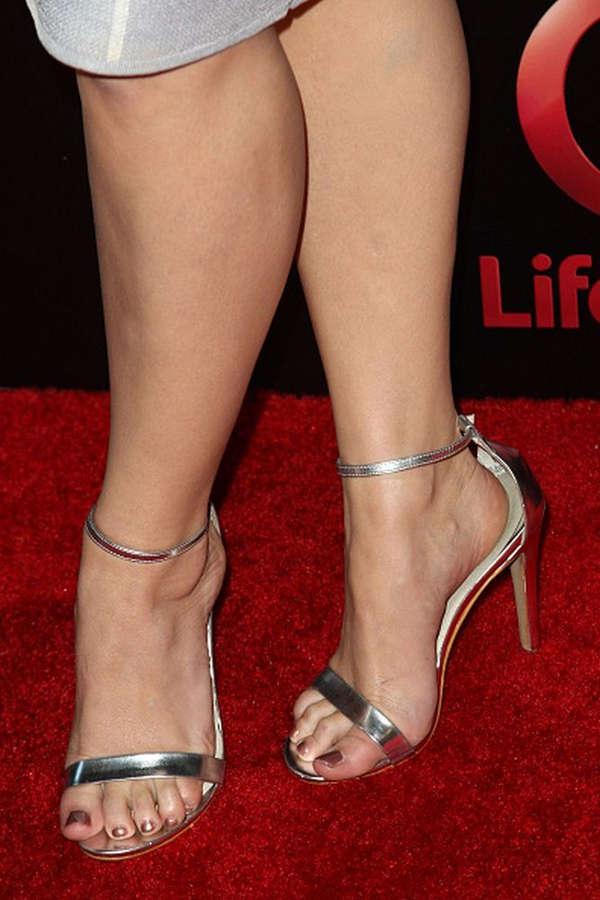 Kelli Garner Feet