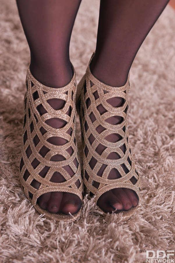 Alecia Fox Feet