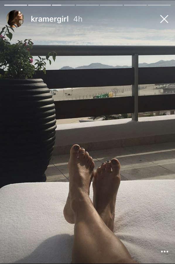 Jana Kramer Feet