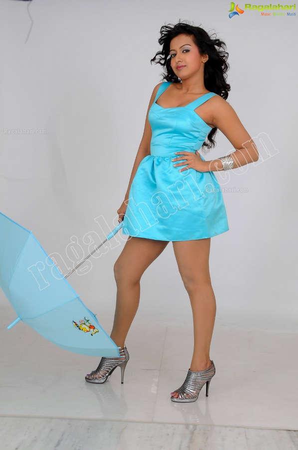 Catherine Tresa Feet