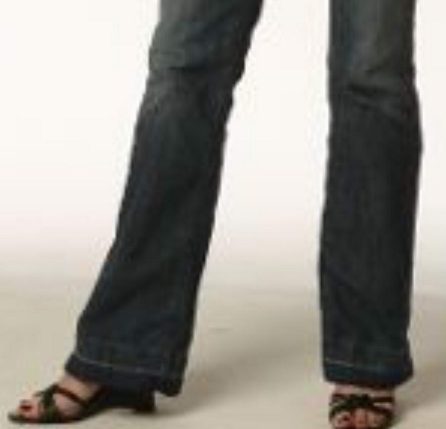 Allison Hossack Feet