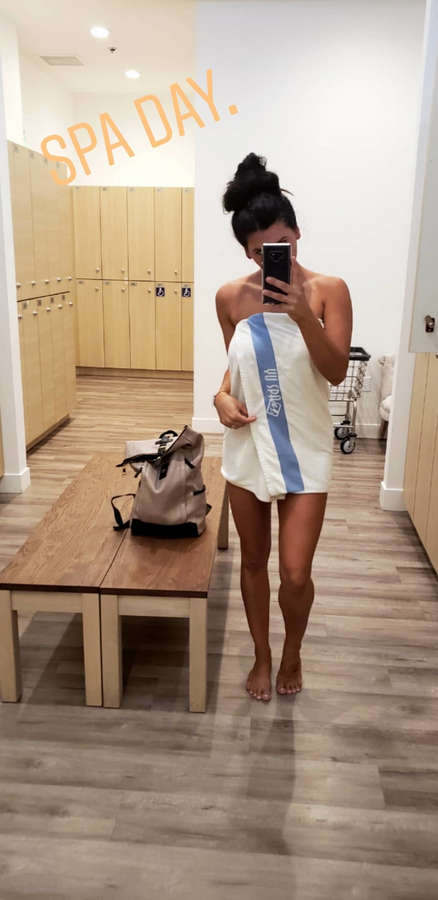 Natasha Crnjac Feet