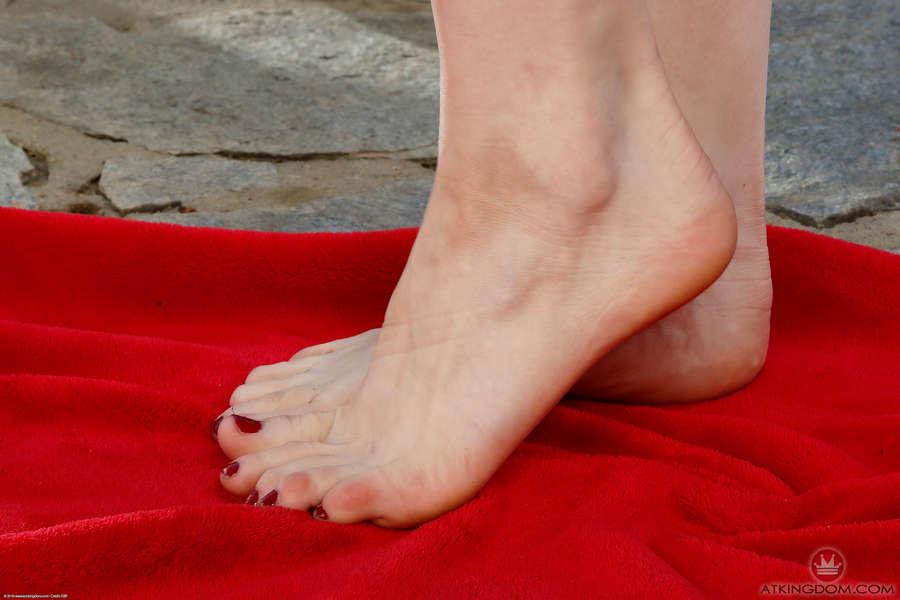 Ivy Wolfe Feet