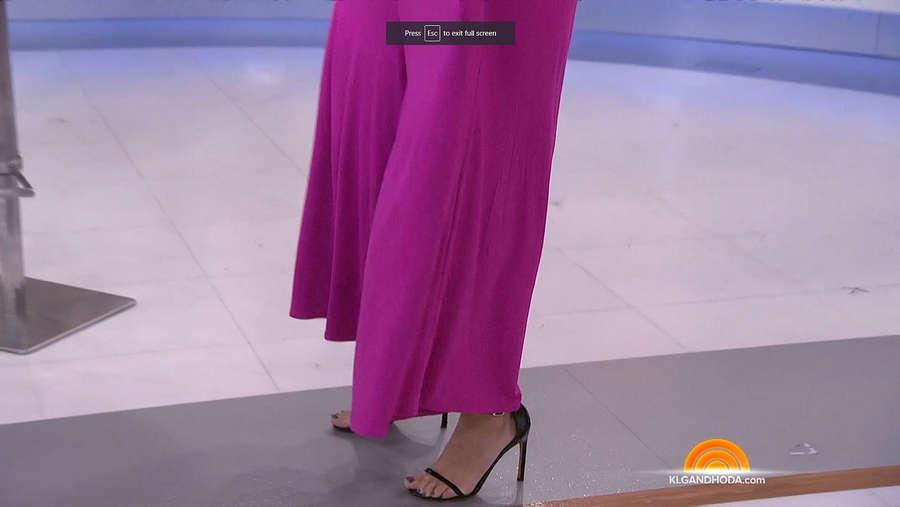 Donna Farizan Feet
