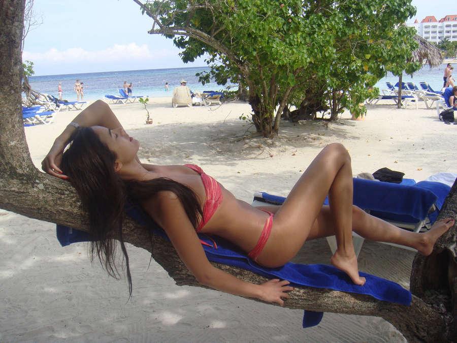 Iva Lamarao Feet