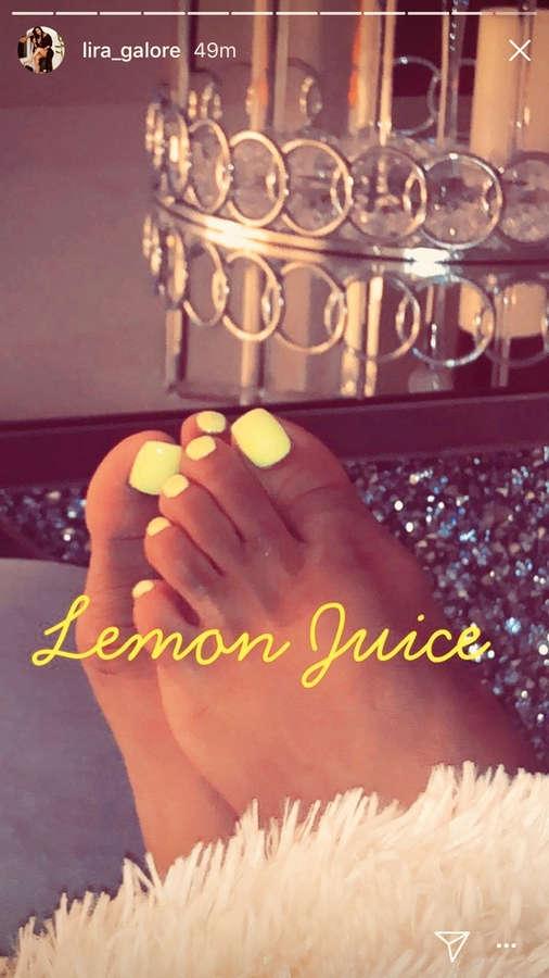 Lira Mercer Feet