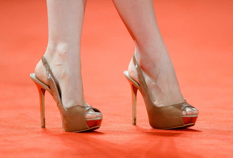 Mina Tander Feet