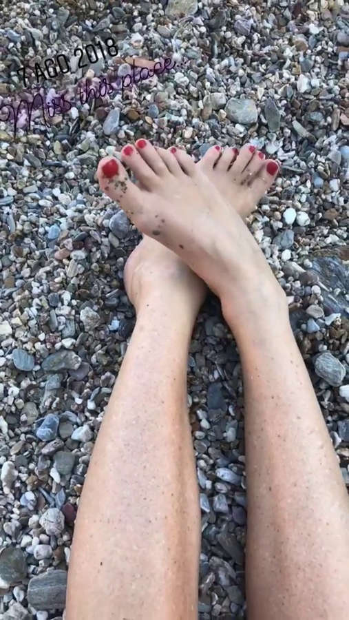 Alessia Marcuzzi Feet