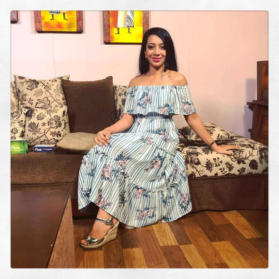 Sachini Ayendra Feet