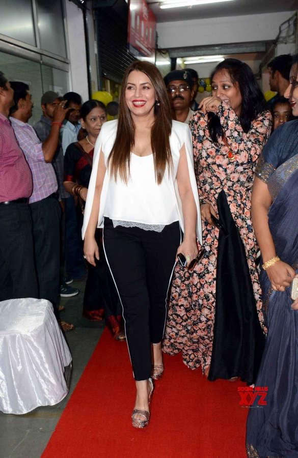 Mahima Chaudhry Feet