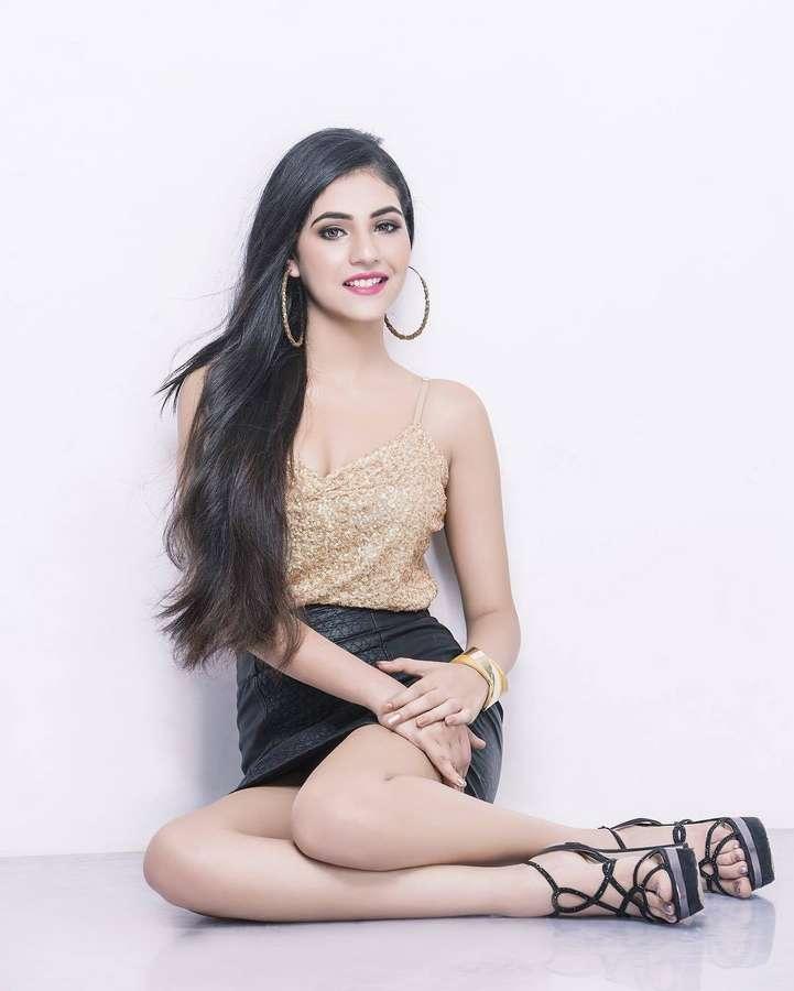 Radhika Seth Feet