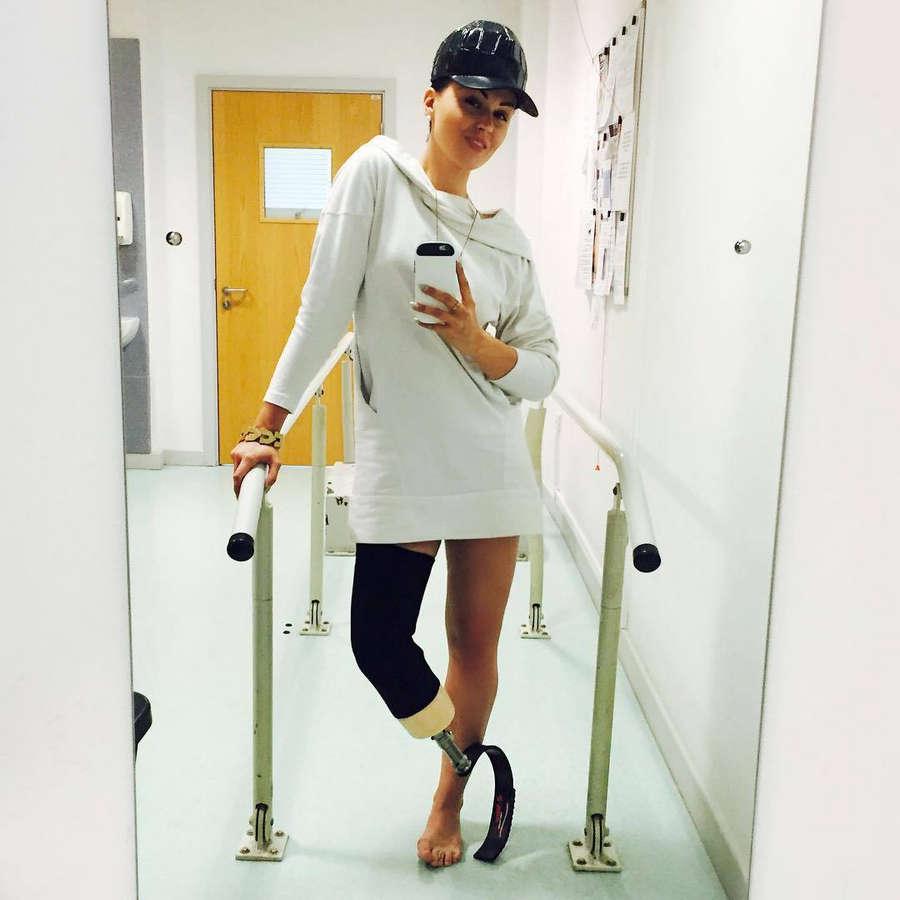 Viktoria Modesta Feet