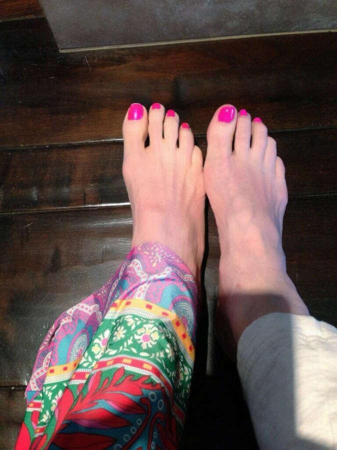 Cher Feet