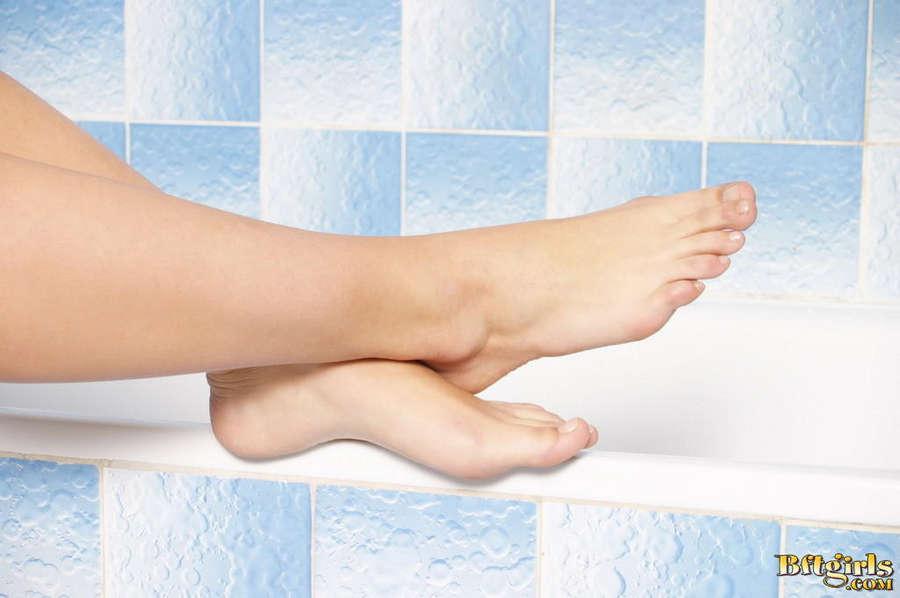 Tereza Hladuvkova Feet