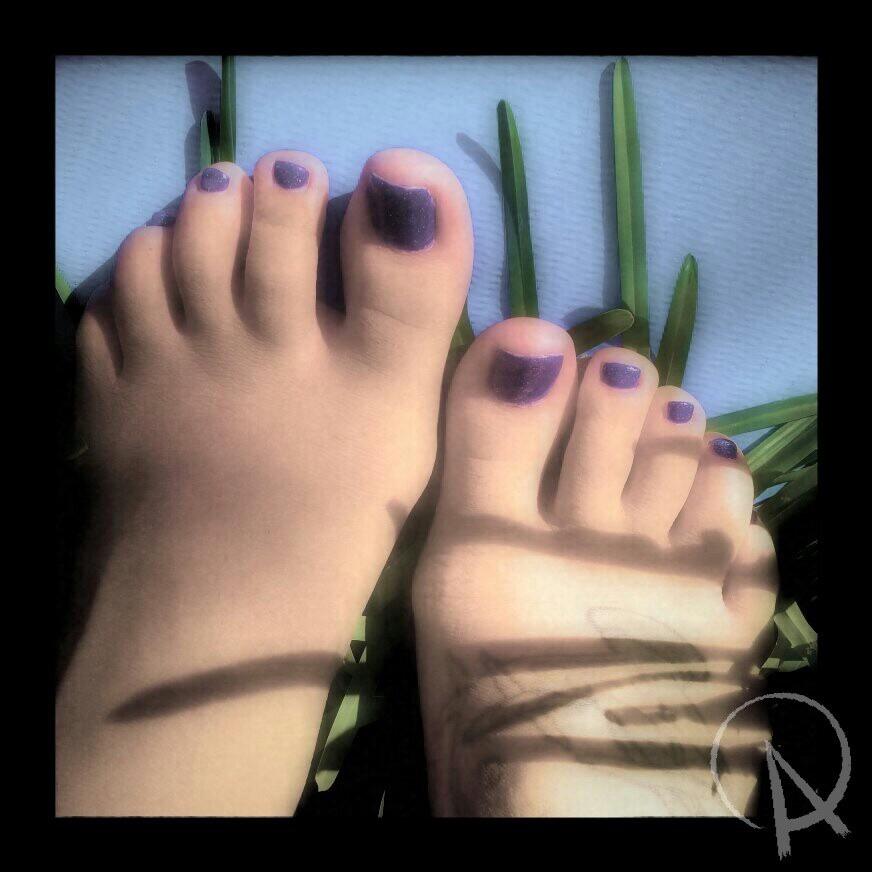Adrenalynn Feet