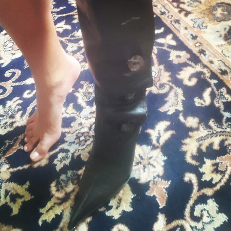 Indira Weiss Feet
