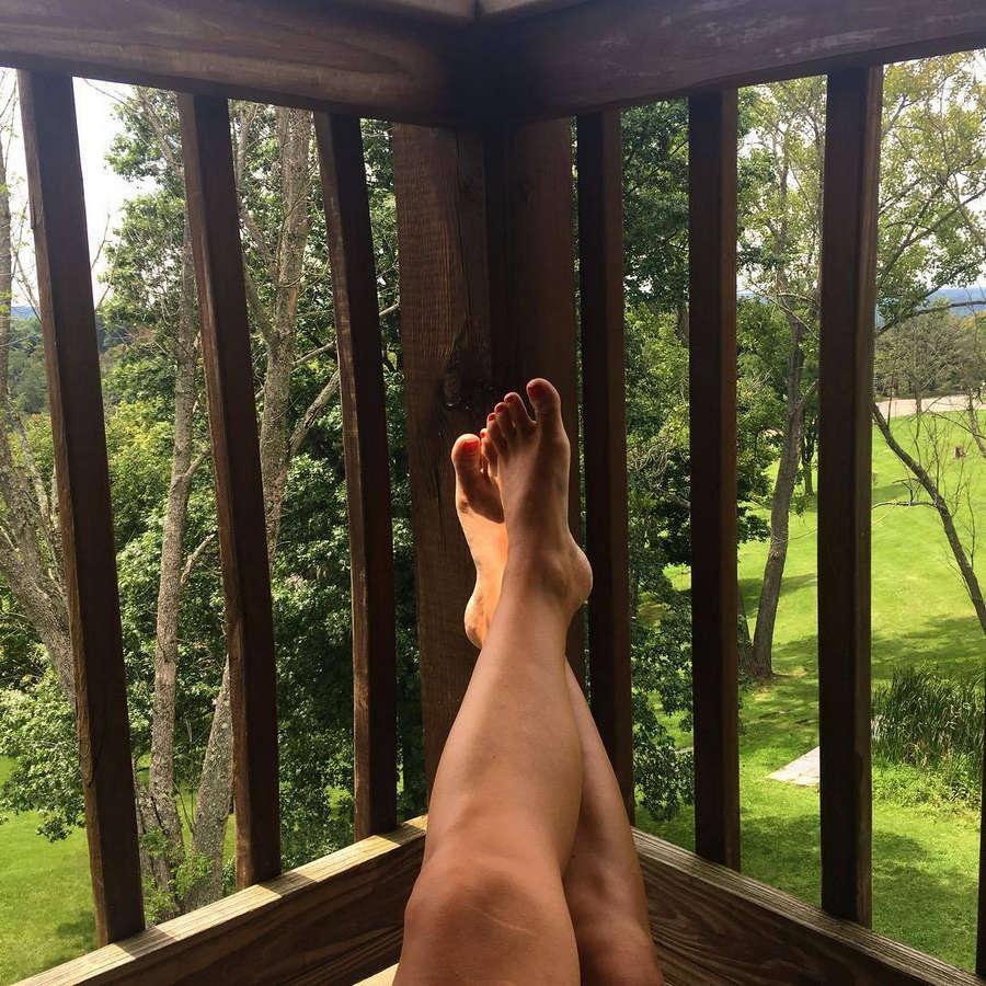 Leah Wyar Feet