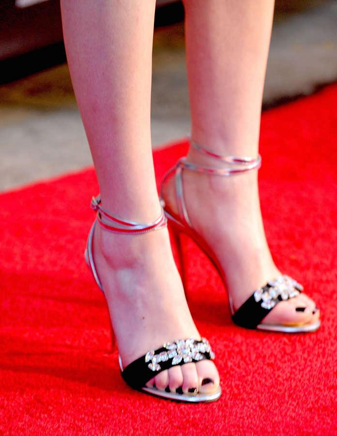 Miranda Cosgrove Feet
