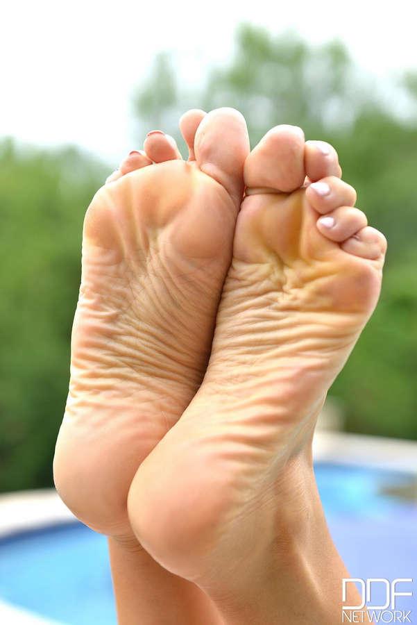 Alexa Tomas Feet