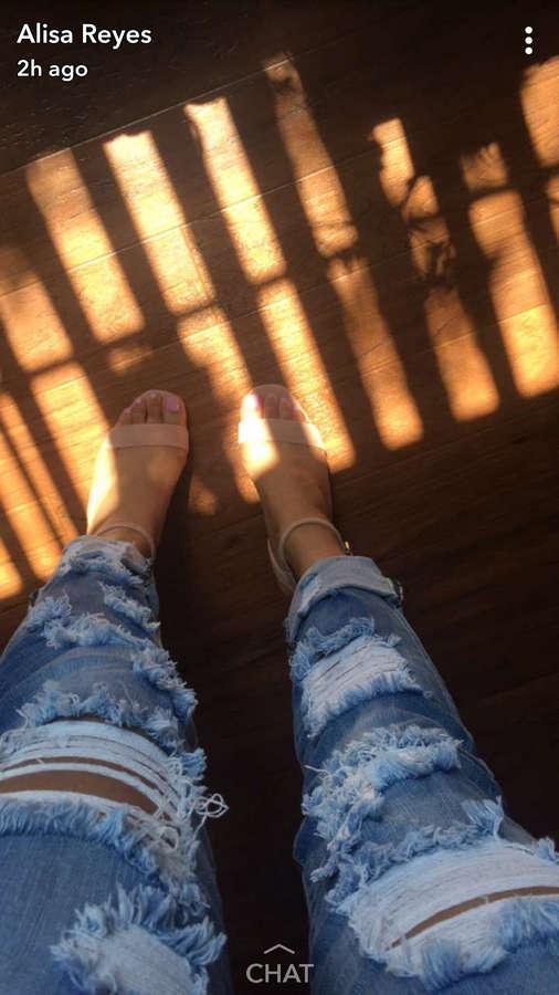 Alisa Reyes Feet
