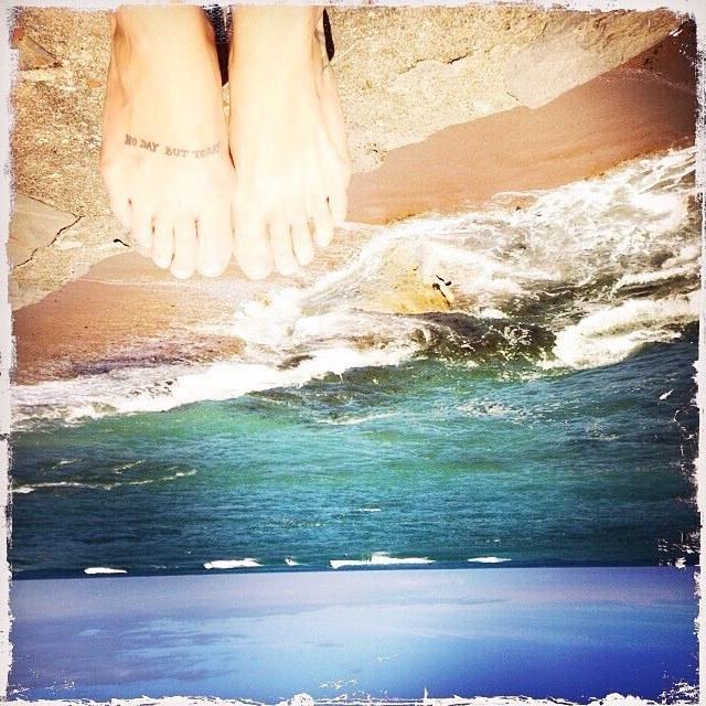 Anais Delva Feet
