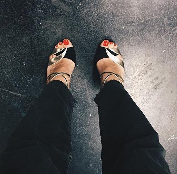 Laurie Delhostal Feet