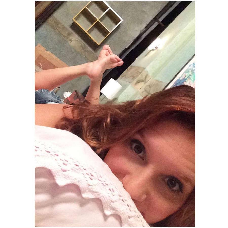Lorena Comparato Feet