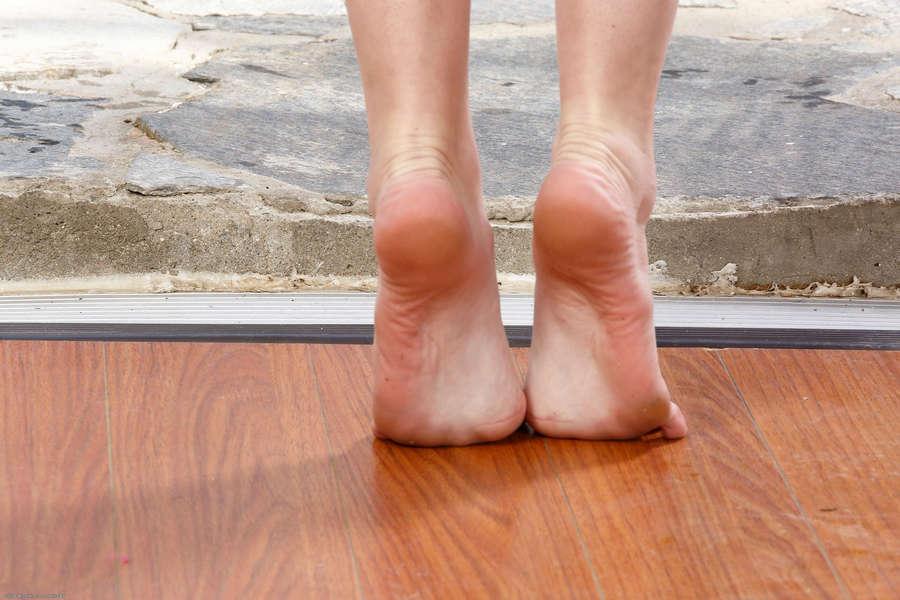 Shae Snow Feet