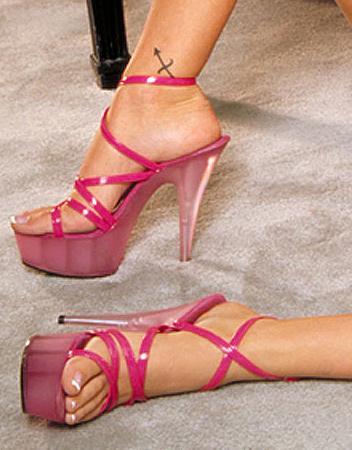 Courtney Cummings Feet
