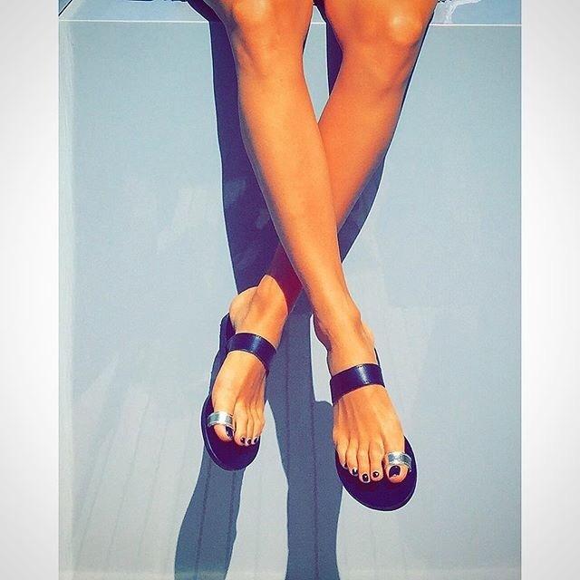 Victoria Monfort Feet