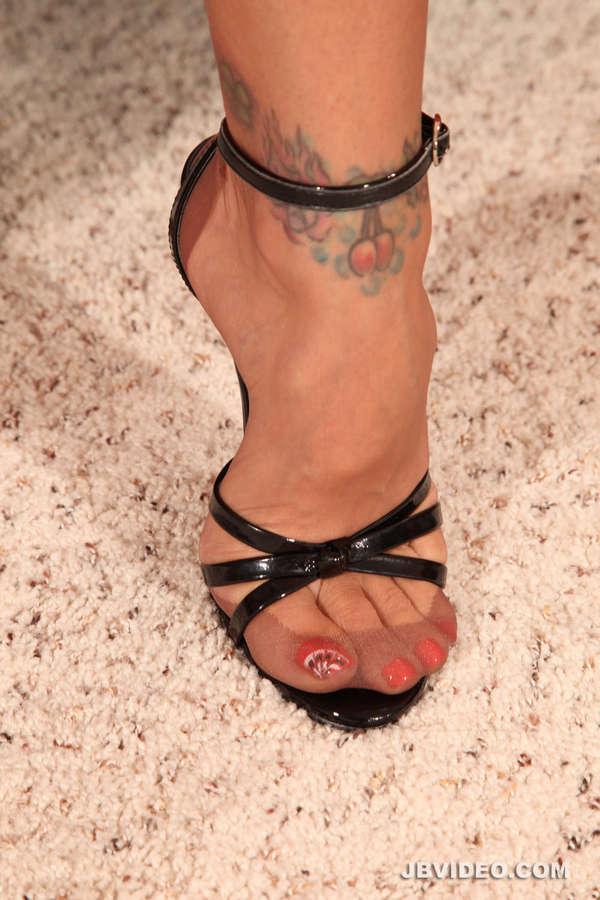 Raylene Feet