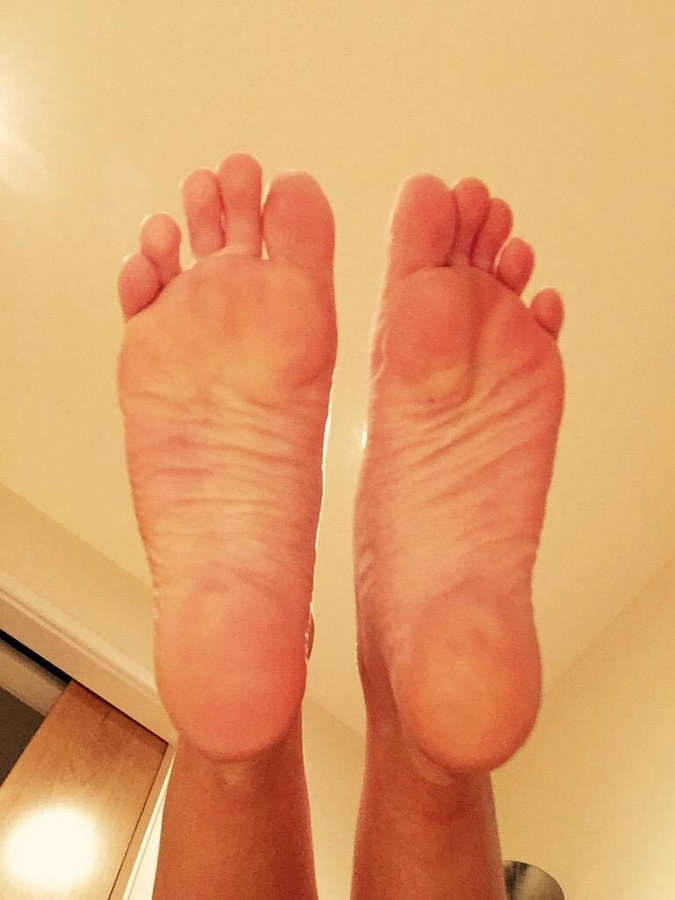 Cara Brett Feet