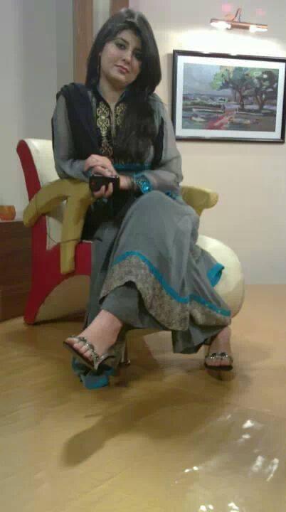 Najeeba Faiz Feet